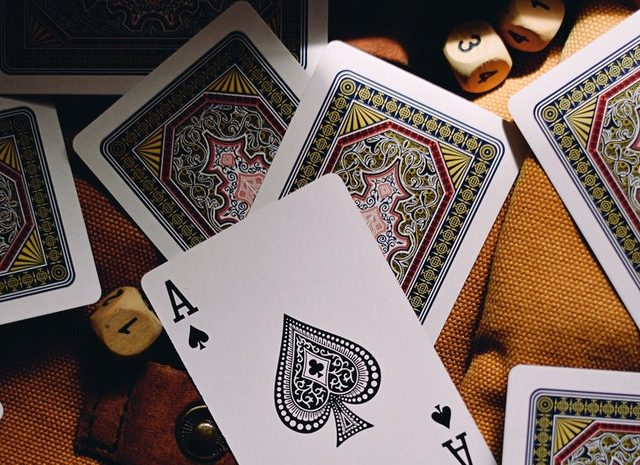Get Familiar With The Primacies Of Online Gambling