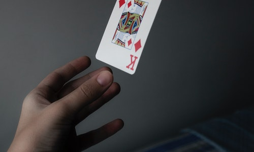 4 Reasons To Do Online Gambling Instead Of Visiting The Nearby Casino!