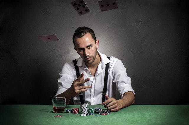 Look At The Great Advantages Of Switching To An Online Casino From The Traditional One!