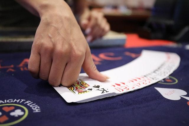 Top 3 Incredible Benefits Of Betting On Football At Web-Based Betting Platform
