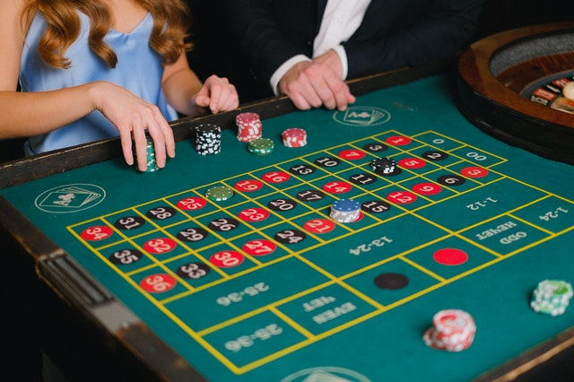 2 games that have made online casinos popular