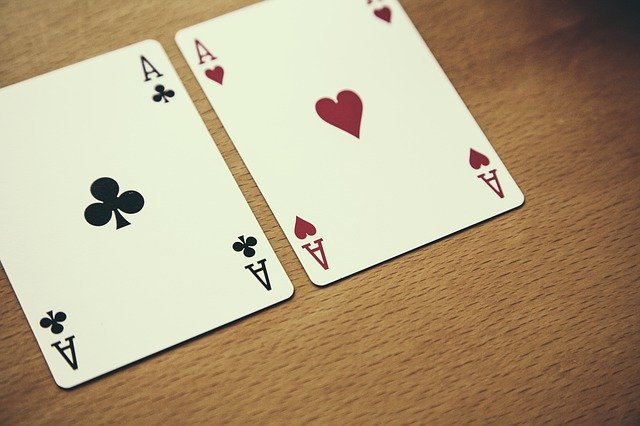 What Characteristics Of Online Slot Games Entice People To Play Them?